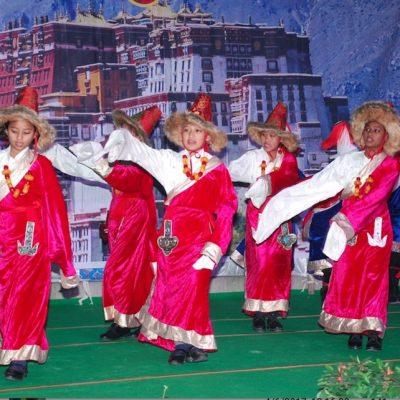 Girls-Group-Dance-